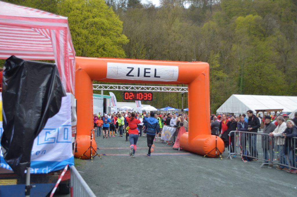 Der Zieleinlauf beim ersten Halbmarathon